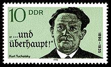 Briefmarke im Querformat mit Tucholsky-Porträt.